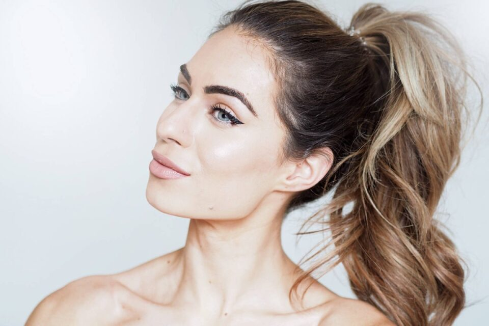 Foods to Eat for Glowing Skin and Healthy Hair